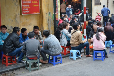 Cheap beer in Hanoi | © Paul Arps / Flickr