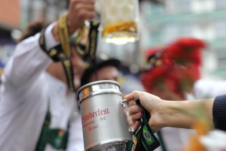 Cheers | © Vitor Pamplona | Flickr