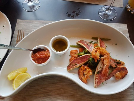 Duo of sea bream and gambas