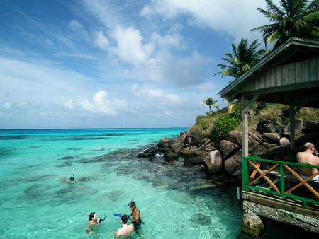 Come to Providencia, Colombia, for excellent snorkeling and beach-side bars | Chris Bell / © Culture Trip