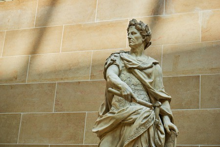 A statue of Julius Caesar in the Louvre, Paris | © NakNakNak/Pixabay
