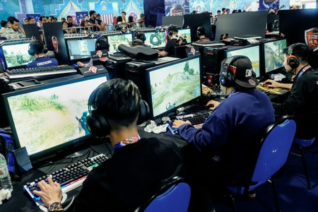 Esports are a medal event at the 2022 Asian Games. Are the Olympics next? | © Aizuddin Saad / Shutterstock.com