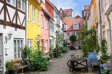 Backyard in Luebeck, Germany | © sunfun/Shutterstock