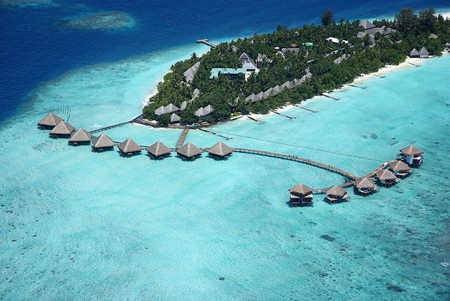 Adaaran Club Rannalhi is one of the island resorts you can visit on a day trip