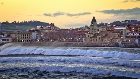 Visit the city of Gijón in Spain