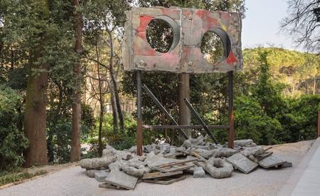 Installation view, Phyllida Barlow, 'folly', British Pavilion, 57th Venice Biennale, Italy, 2017