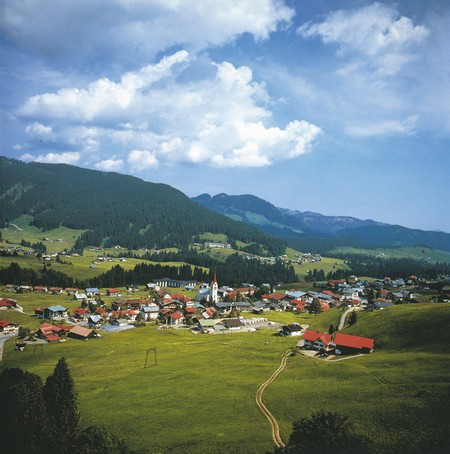 The nearby town of Kleinwalsertal | © Austrian Tourist Board