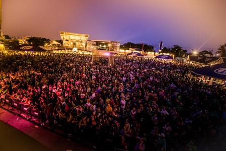 Milwaukee Irish Fest Night Crowd   © Courtesy of Milwaukee Irish Fest