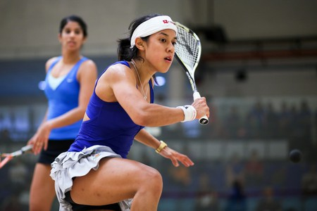 Nicol David (head band) defeats Joshna Chinappa