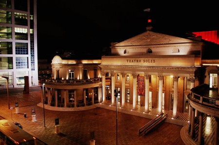 Teatro Solís, as delicate as it is opulent