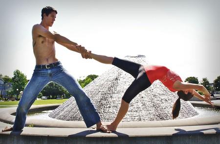 Acroyoga combines acrobatics and yoga © Kristin Wall