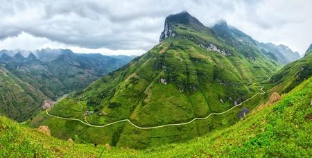 Heavenly views from Ma Pi Leng Pass, Ha Giang. |©Thoai/Shutterstock