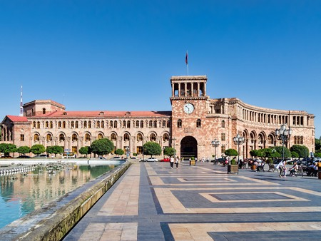 Government House on Republic Square in Yerevan | © Dan Lundberg / Flickr