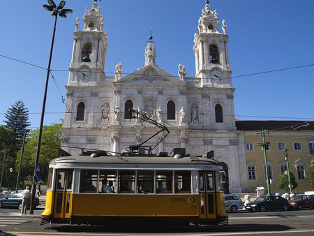 The Estrela Basilica is on the Tram 28's route
