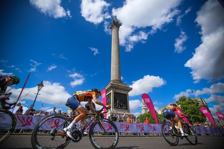 Racing through London on the Women's Tour