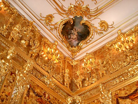 The ceiling of the amber room