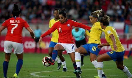 Chile plays Brazil in the 2018 Copa América tournament