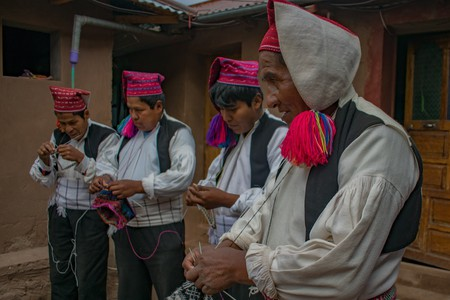 The knitting men