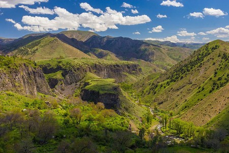 Garni shot in March | © Max Dawncat / WikiCommons