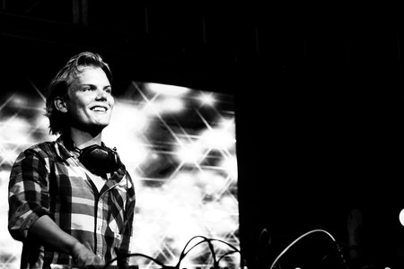 Avicii at the turntables at a London gig