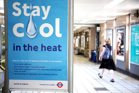 Hot weather advice in a London Underground station