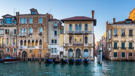Make sure your trip to the watery wonderland is one to remember by finding the perfect Airbnb in Venice