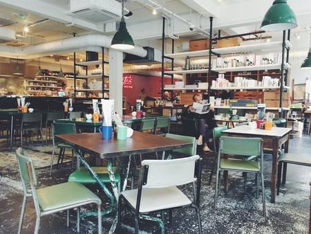 Restaurant | © Rob Bye / Unsplash