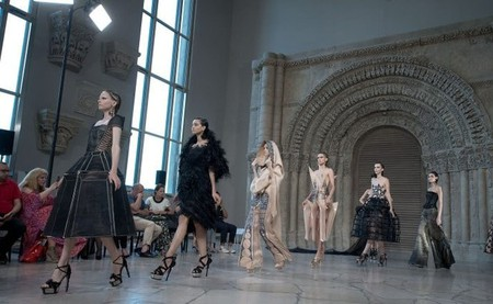 Models present at Guo Pei 2018/2019 Paris Haute Couture Fashion Week