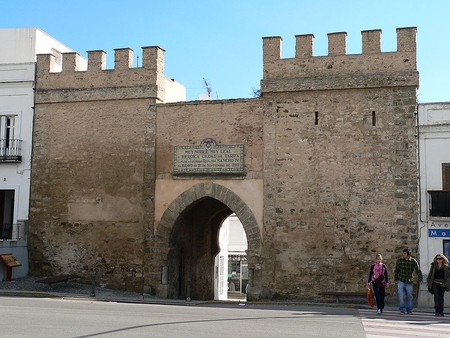 Tarifa's Puerta de Jerez - the only medieval entrance to the old town remaining