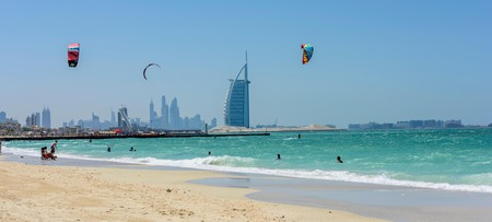 Kite Surfing in Dubai