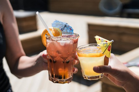 Enjoy some cocktails in one of the bars in Malacca