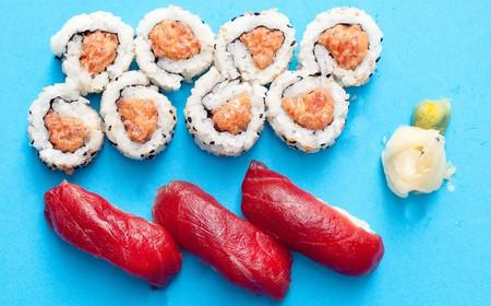 Spicy tuna and tuna nigiri