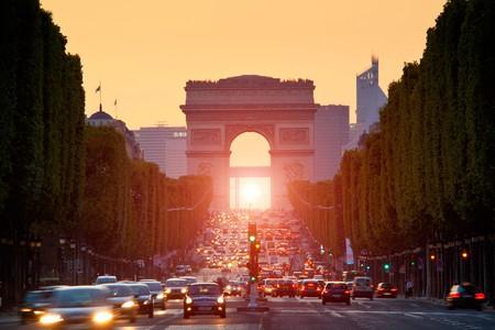 Admire the light show on the Champs-Élysées