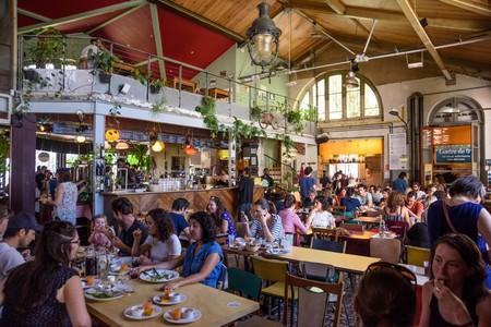 Paris, Alternative Bar-Restaurant  La Recyclerie (83 Boulevard Ornano, 75018 Paris.www.larecyclerie.com)