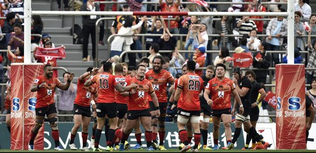 The Sunwolves celebrate defeating the Jaguares in 2016