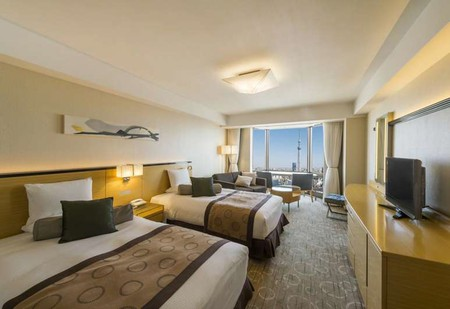 The Asakusa View Hotel contains 326 rooms