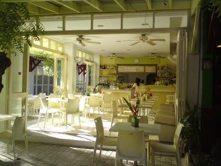 Order all-day breakfast at Lemoni Cafe