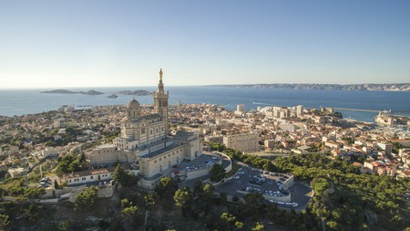 Enjoy both city life and the seaside with a stay in Marseille