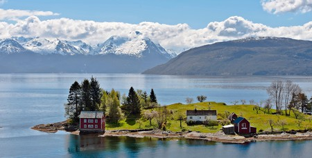 Omaholmen is located in Hardangerfjord, the third-longest fjord in the world.