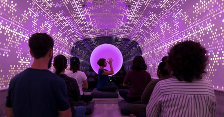 New Yorkers ride on the Be Time meditation bus