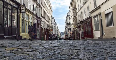 A view down into the Rue Des Martyrs, Paris
