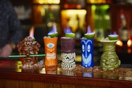 Papa Gede's flaming cocktails © Papa Gede's