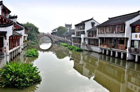 Take a road trip to the ancient water town of Qibao