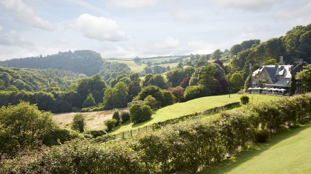 Hotel Endsleigh was built in 1812 as a hunting and fishing lodge for the then Duchess of Bedford