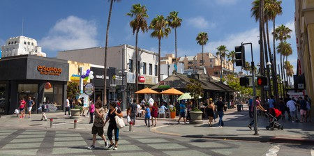 Bars and restaurants in Santa Monica, California
