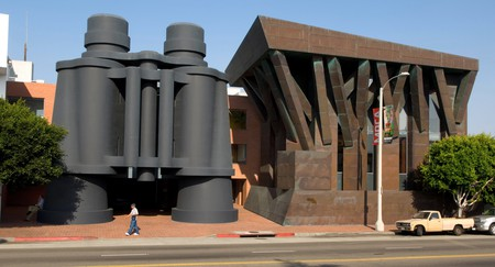 These giant binoculars stand in front of a building designed by architect Frank Gehry in Venice Beach