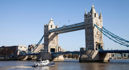 Take in London's most famous landmarks on an alternative tour