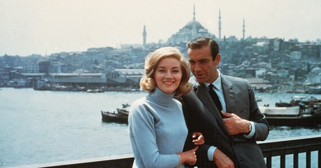 Daniela Bianchi and Sean Connery in 'From Russia With Love'