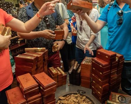 Sales are brisk at the Cuba Tobacco Cigar Co. shop in Miami's Little Havana © Erika Larsen / Culture Trip