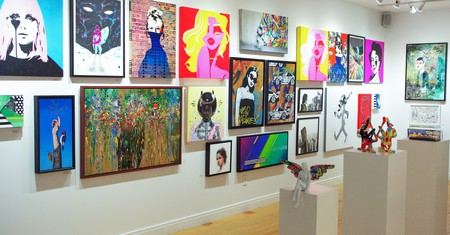 Vertical Gallery in Chicago specialises in showcasing the works of emerging urban-contemporary artists